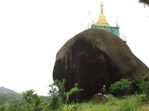 Templo, sobre la piedra Myanmar 2015