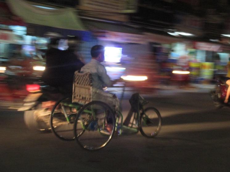Night traffic Hue